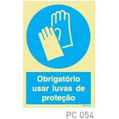Obrigatorio usar fato proteção COVID-19 PC053